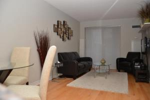 Superior One-Bedroom Apartment- 250 Wellington Street West