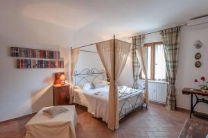 Le Tartarughe B&B, Bed & Breakfast  Magliano in Toscana - big - 1