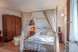 Le Tartarughe B&B, Bed & Breakfasts  Magliano in Toscana - big - 26
