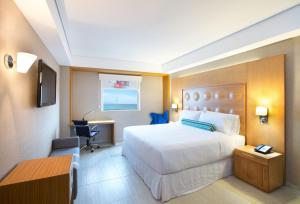 Double Room with Partial Lagoon View