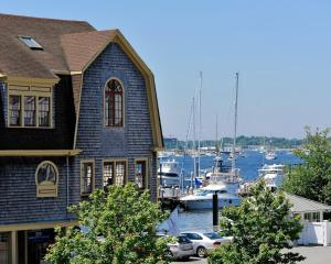 Photo of Harborside Inn