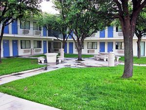 Photo of Motel 6 Del Rio