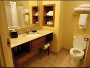 Deluxe Double Suite with Bath Tub - Disability Access/ Non-Smoking
