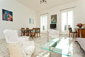 Luxurious Place Massena Apartment