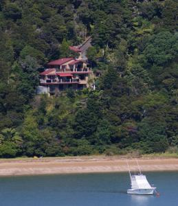 Photo of Bay Of Islands Beachhouse