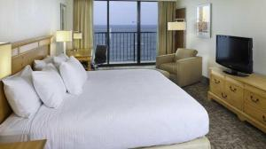 King Room with Oceanfront View - Non-Smoking