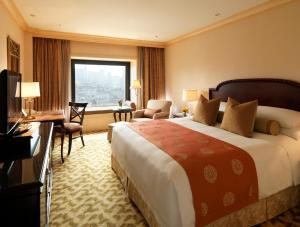 Club Superior Deluxe Double or Twin Room with City View