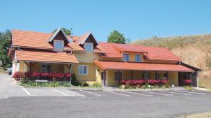 Apartments Pavlić