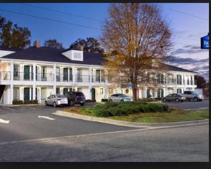 Photo of Baymont Inn & Suites   Roanoke Rapids