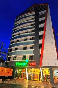 Photo of Clover Hotel