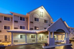 Photo of Country Inn & Suites Winnipeg