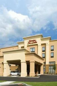 Photo of Hampton Inn & Suites Tilton