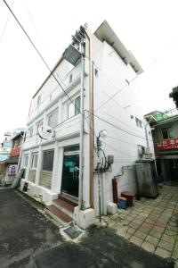 Photo of Guesthouse Myeongdong 2