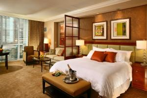 Luxury Suites International at The Signature