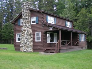 Three Bedroom Cabin with Fireplace