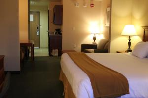 Holiday Inn Express Tehachapi