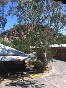 Heavitree Gap Outback Lodge