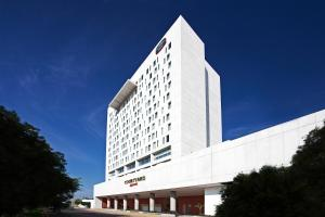 Photo of Courtyard By Marriott Leon At The Poliforum