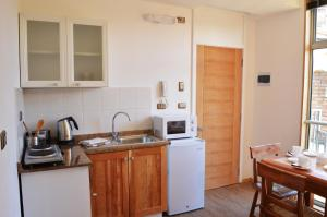 Two-Bedroom Apartment (2-3 Adults)