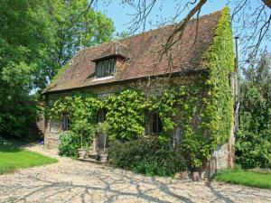 Weavers Cottage in Minchington, Dorset, England