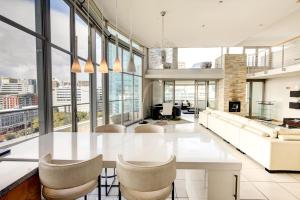 Three-Bedroom Apartment - Penthouse