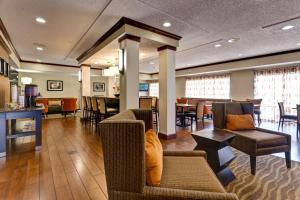 Hampton Inn Manhattan - Manhattan, KS 66502 - Photo Album