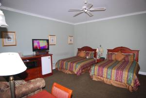 Deluxe Queen Room with Two Queen Beds with Fireplace