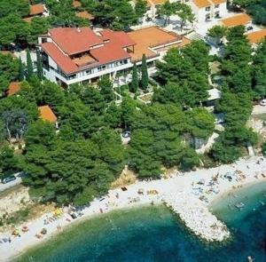 Bungalows Urania: pension in Baška Voda - Pensionhotel - Guesthouses