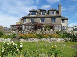 Four Winds Lodge, Bed and breakfasts  Galway - big - 1