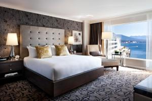 Signature King Room with Harbour View