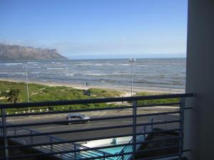 One Bedroom Apartment with Sea View 209