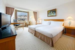 TWIN GUEST ROOM WITH DANUBE AND CITY VIEW