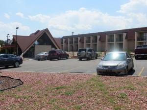 Days Inn Colorado Springs/Garden Of The Gods - Colorado Springs, CO 80907 - Photo Album