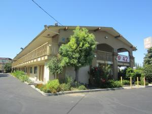 Photo of California Inn