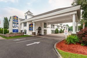 Photo of Best Western Inn At Hampton