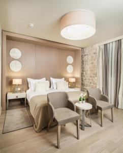 Art Hotel Kalelarga Zadar - Pensionhotel - Hotels