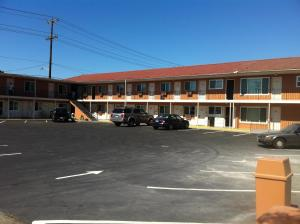 Photo of La Hacienda Motel