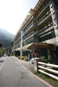 Photo of Naluwan Spring Resort Hotel