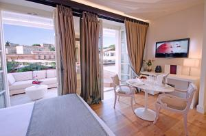 Supreme Suite with Private Terrace and Small Private Pool  - Spa Included