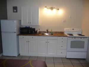 Deluxe Suite with Kitchenette - Non-Smoking