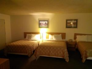 Double Room with Three Double Beds