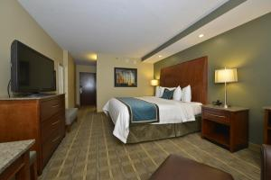 King Room with River View - Disability Access