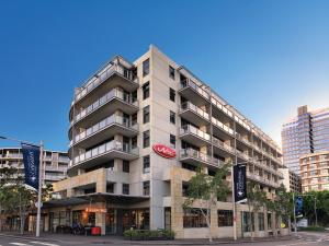 Photo of Adina Apartment Hotel Sydney, Harbourside