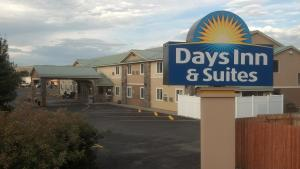 Photo of Days Inn & Suites Gunnison