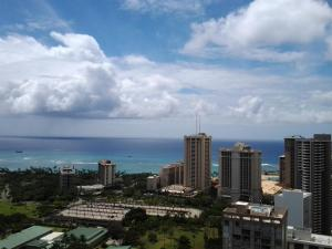 Two Level Penthouse Waikiki At Hawaiian Monarch With Free Parking