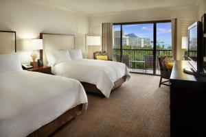 Alii Tower Double Room with Two Double Beds and Ocean View