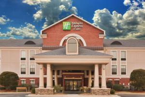 Photo of Holiday Inn Express Hotel & Suites Morehead City