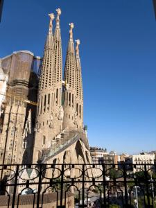 Four-Bedroom Apartment - Plaça Sagrada Familia 16