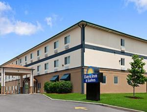 Days Inn And Suites Romeoville - Romeoville, IL 60446