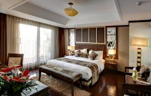 Photo of Golden Lotus Luxury Hotel